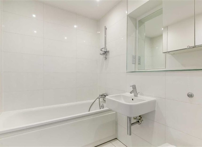 Properties to let in Holford Way - SW15 5DH view6