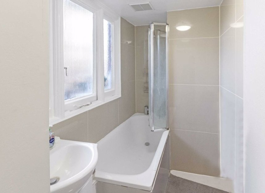 Properties to let in Judd Street - WC1H 9NX view3