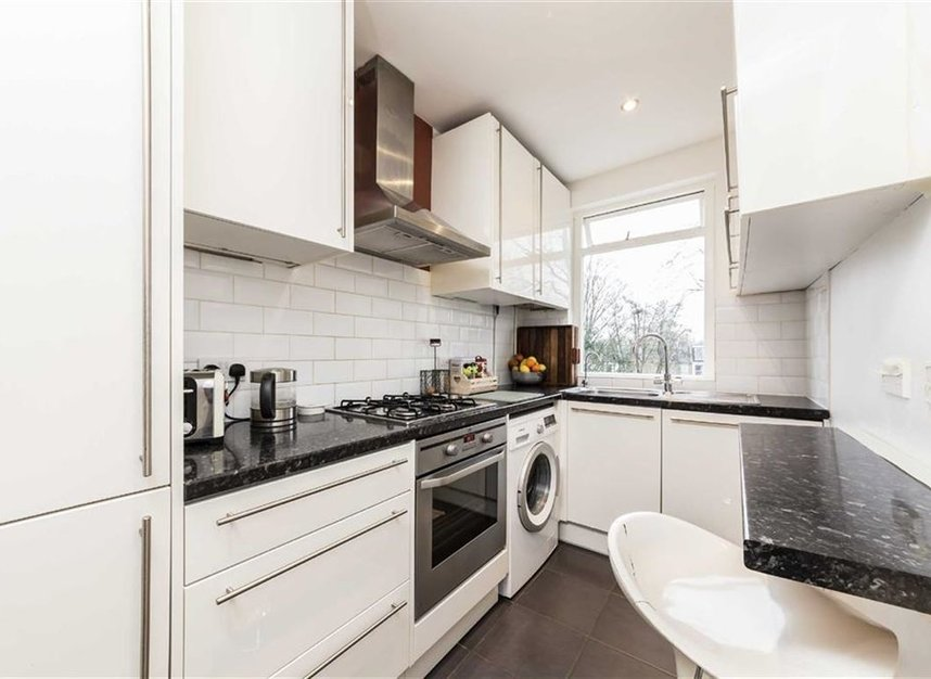 Properties to let in Kenilworth Avenue - SW19 7LP view3