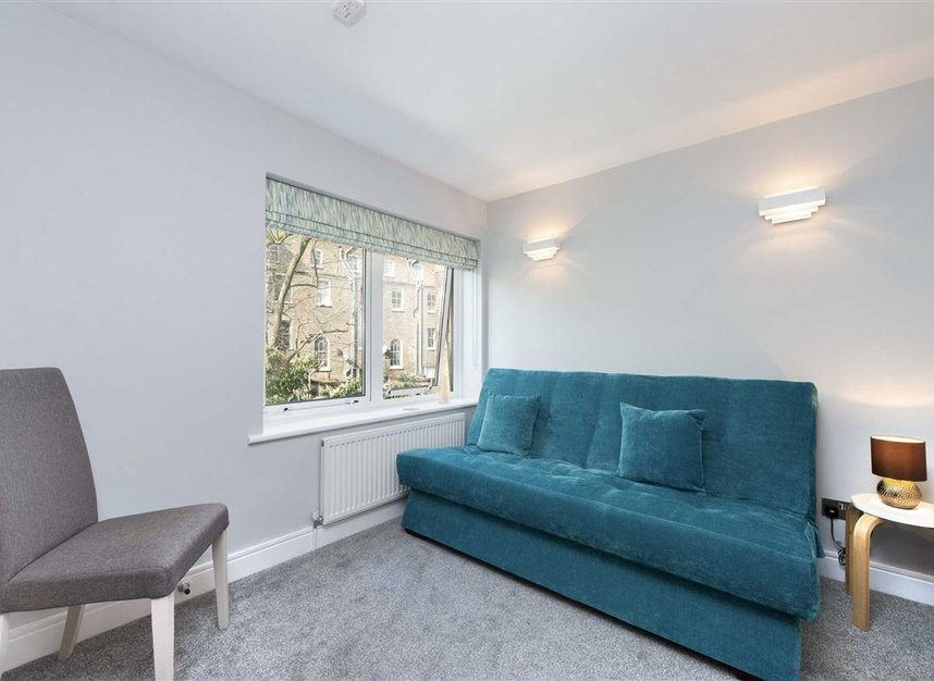 2 Bedrooms 1 Bathrooms short let flat to rent in Kensington Gardens Square - W2 4BG view3