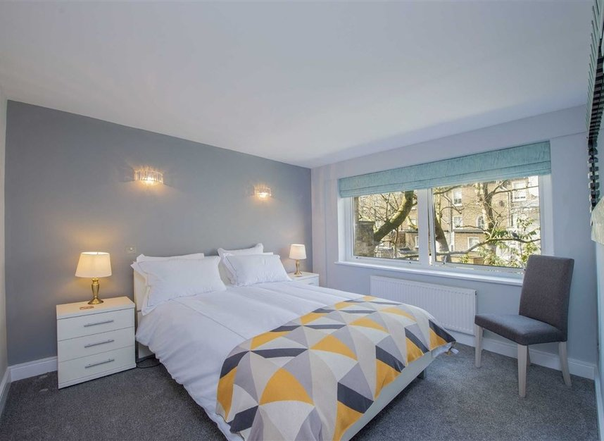 2 Bedrooms 1 Bathrooms short let flat to rent in Kensington Gardens Square - W2 4BG view5