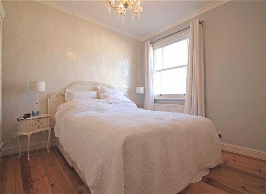 Properties to let in Lambton Place - W11 2SH view4