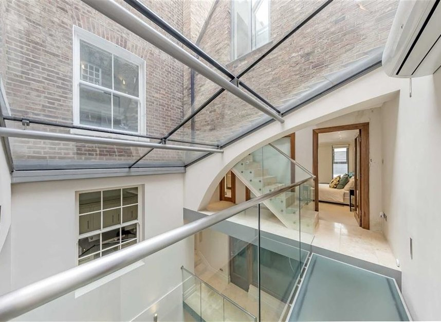 Properties to let in Lincoln's Inn Fields - WC2A 3BP view14