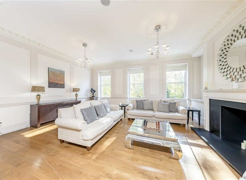 Properties to let in Lincoln's Inn Fields - WC2A 3BP view3