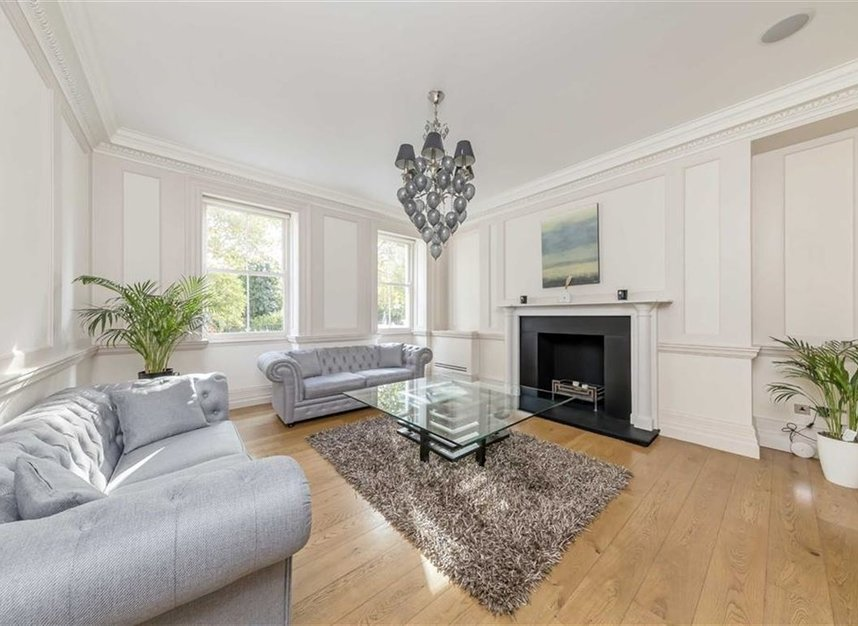 Properties to let in Lincoln's Inn Fields - WC2A 3BP view2