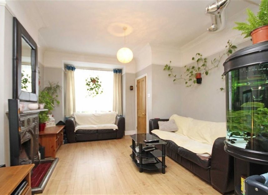 Properties to let in Linkfield Road - TW7 6QG view2