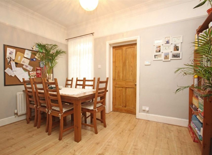 Properties to let in Linkfield Road - TW7 6QG view3