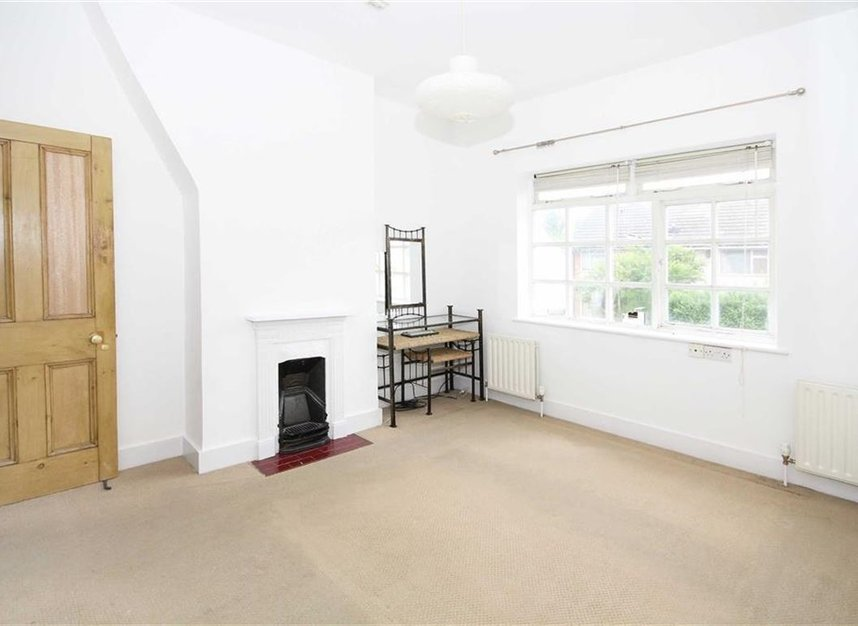 Properties to let in Linkfield Road - TW7 6QG view5