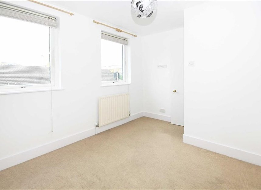 Properties to let in Linkfield Road - TW7 6QG view6
