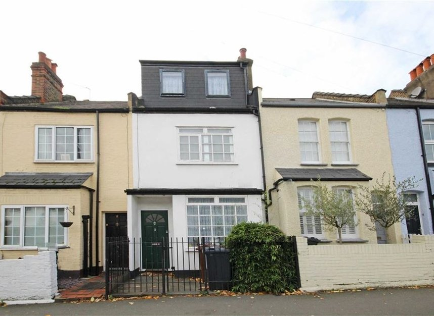 Properties to let in Linkfield Road - TW7 6QG view1