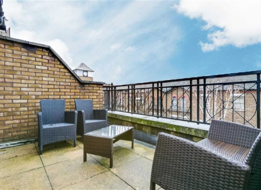 Properties to let in Marryat Square - SW6 6UA view7