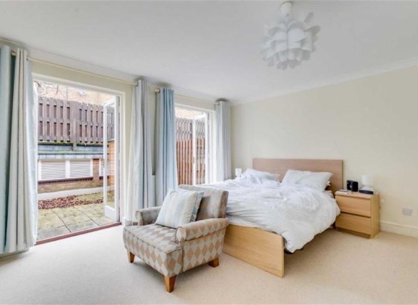 Properties to let in Marryat Square - SW6 6UA view5