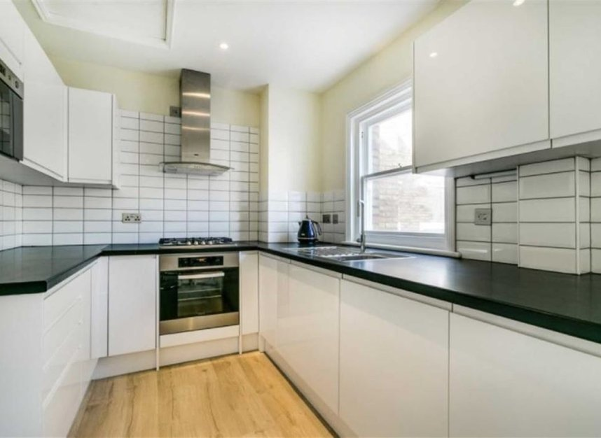 Properties to let in Marryat Square - SW6 6UA view4