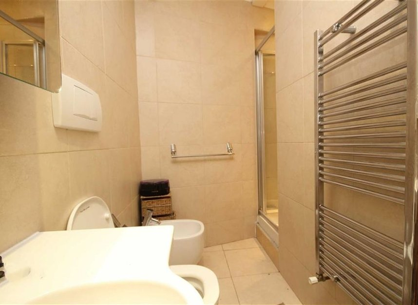 Properties to let in Meadow Road - SW8 1PP view5