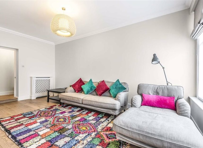 Properties to let in Montagu Mews North - W1H 2JR view3