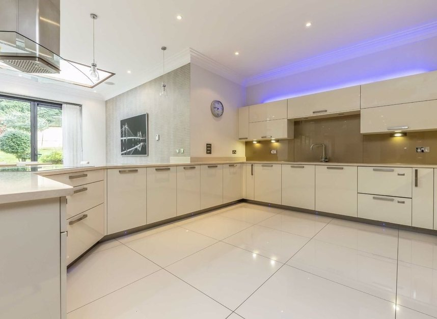 Properties to let in Neville Avenue - KT3 4SN view4