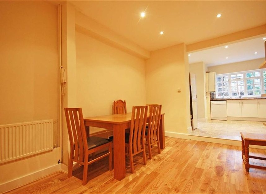 Properties to let in Norroy Road - SW15 1PH view4