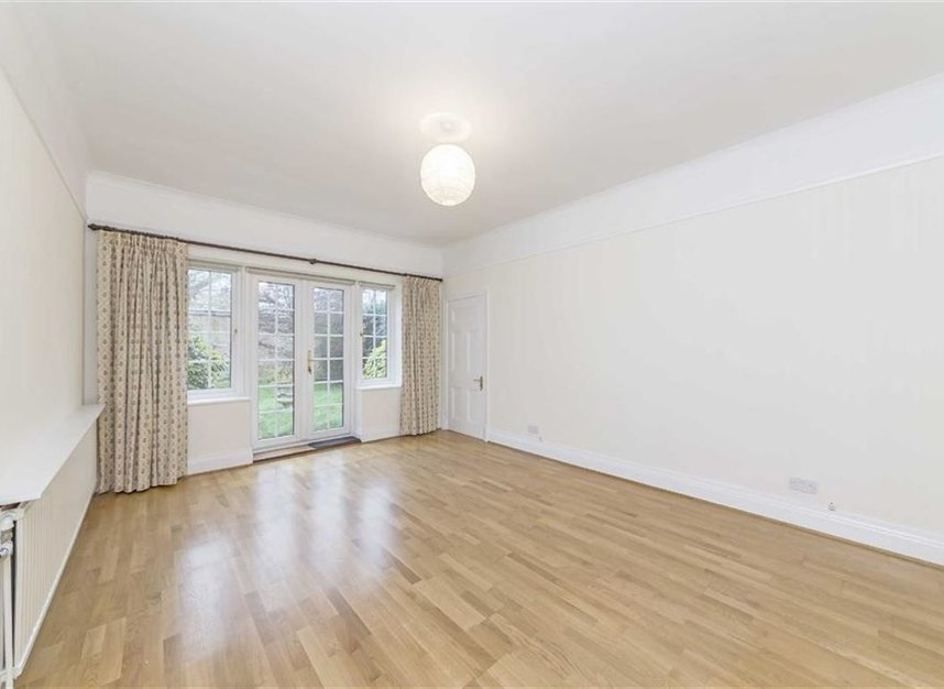 Properties to let in North End Road - NW11 7RH view3