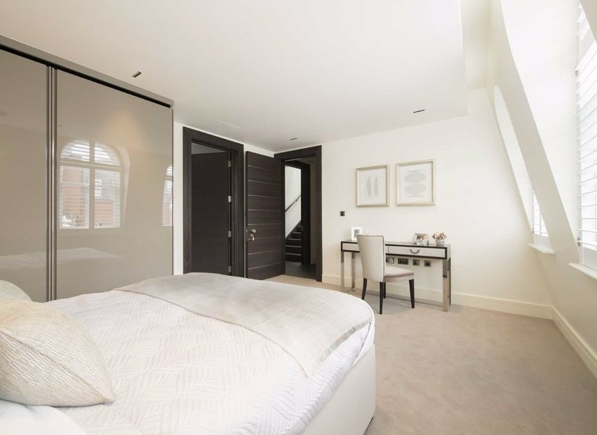 Properties to let in Park Place - SW1A 1LP view8