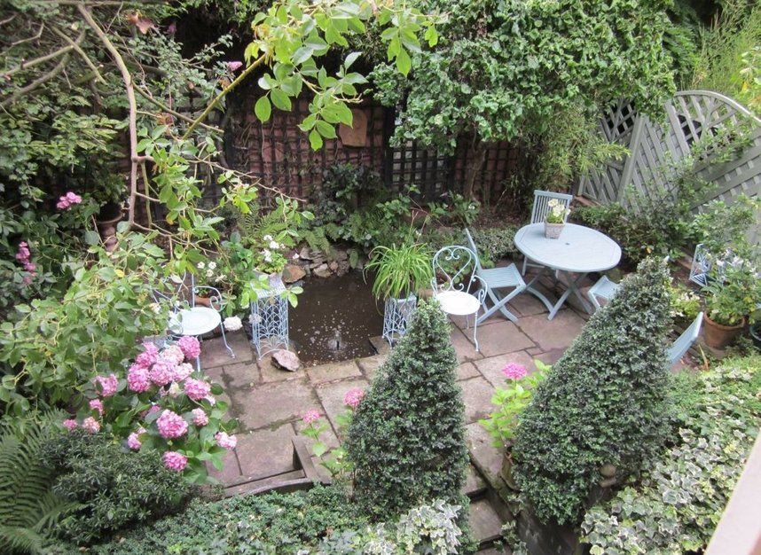 6 Bedrooms 3 Bathrooms short let house to rent in Petyt Place - SW3 5DJ view2