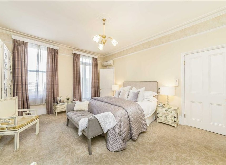 Properties to let in Philbeach Gardens - SW5 9EE view12