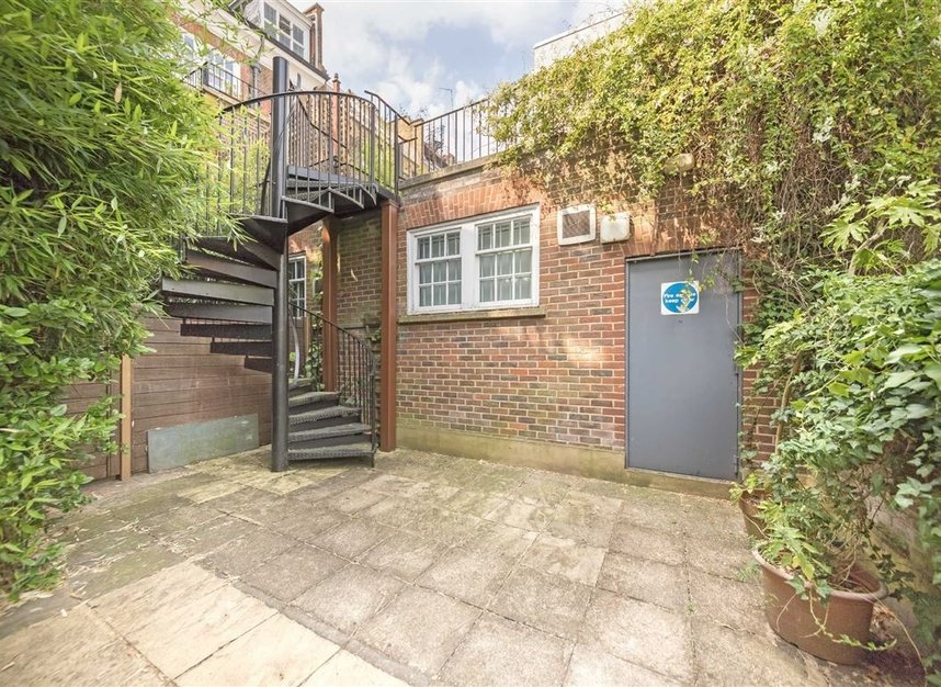 Properties to let in Pilgrims Lane - NW3 1SJ view14