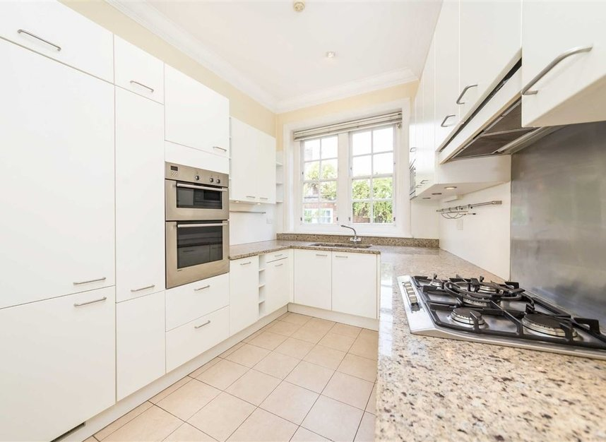 Properties to let in Pilgrims Lane - NW3 1SJ view5