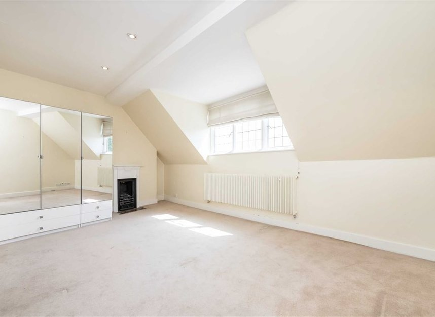 Properties to let in Pilgrims Lane - NW3 1SJ view4