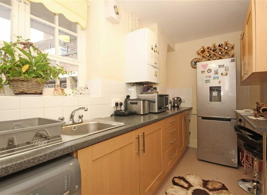 Properties to let in Pritchards Road - E2 9BN view5