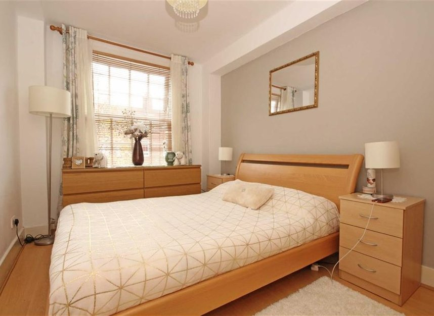 Properties to let in Pritchards Road - E2 9BN view2