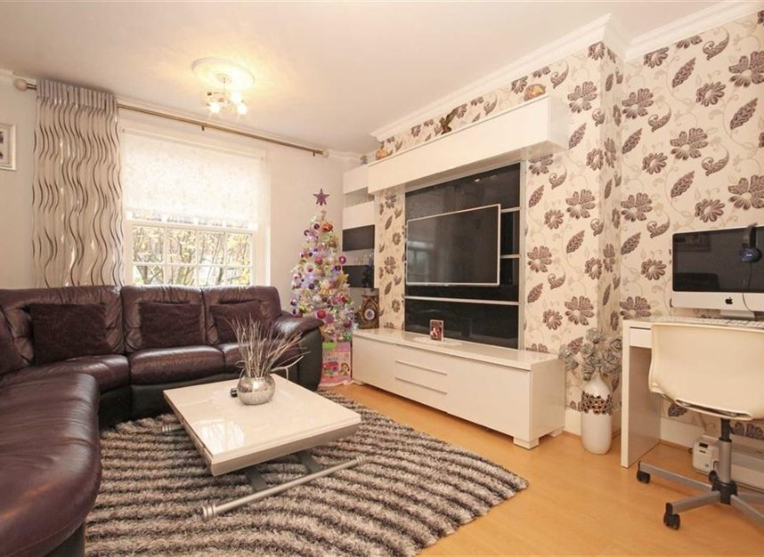 Properties to let in Pritchards Road - E2 9BN view4