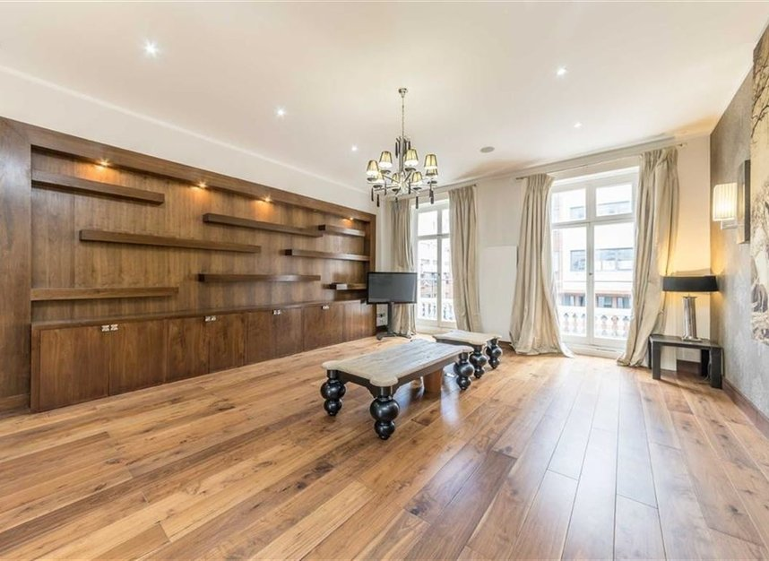 Properties to let in Queensberry Place - SW7 2DR view2