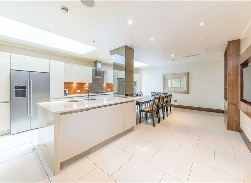 Properties to let in Queensberry Place - SW7 2DR view4