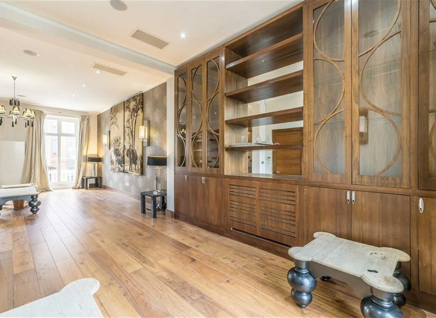 Properties to let in Queensberry Place - SW7 2DR view9