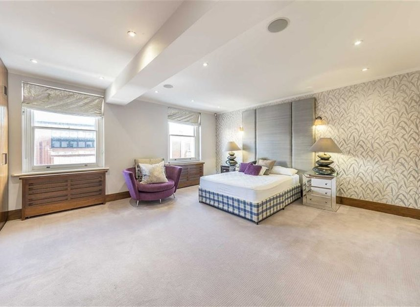 Properties to let in Queensberry Place - SW7 2DR view6