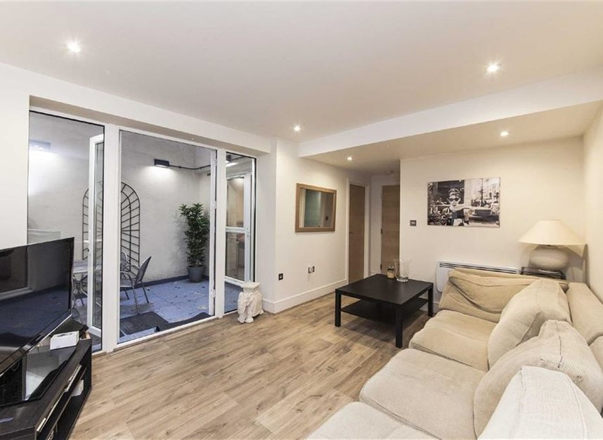 Flat to rent in queensborough terrace london w2 dexters for 49 queensborough terrace bayswater