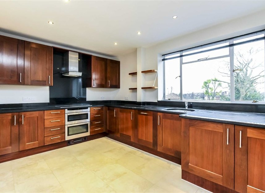 Properties to let in Roehampton Lane - SW15 5LX view3