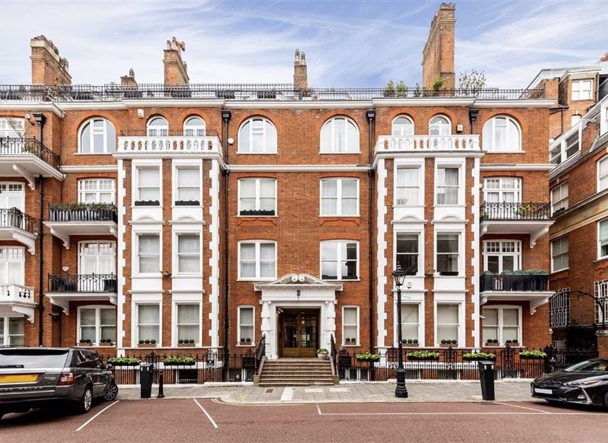 Properties to let in Rutland Court - SW7 1BW view1