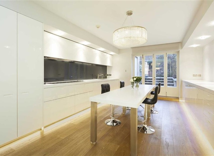 Properties to let in South Audley Street - W1K 1HH view5