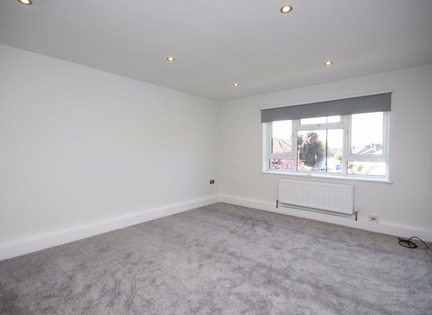 Properties to let in South Street - TW7 7AB view2