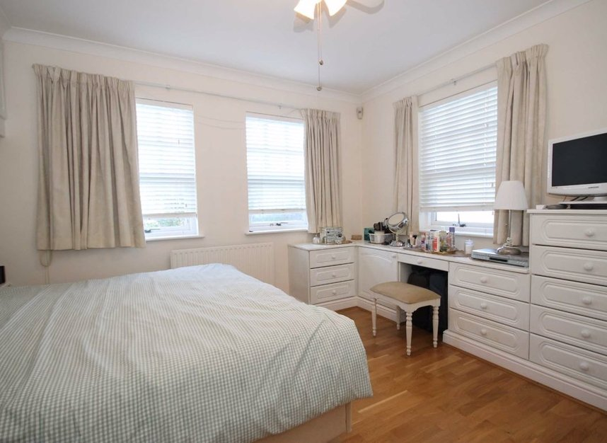 Properties to let in South Worple Way - SW14 8ND view3