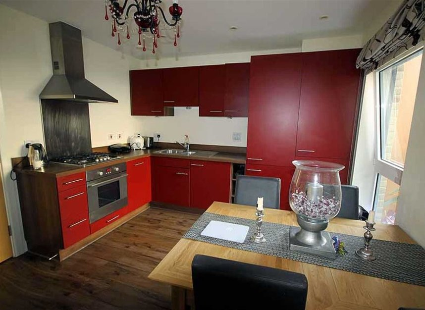 Properties to let in Southcott Road - TW11 0BZ view3