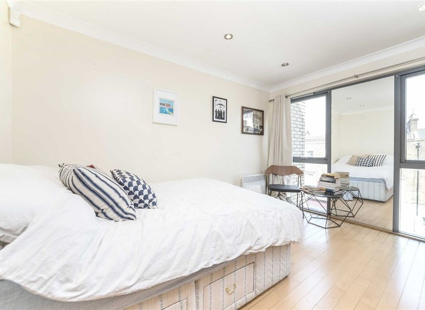 Properties to let in Southgate Road - N1 3HA view4