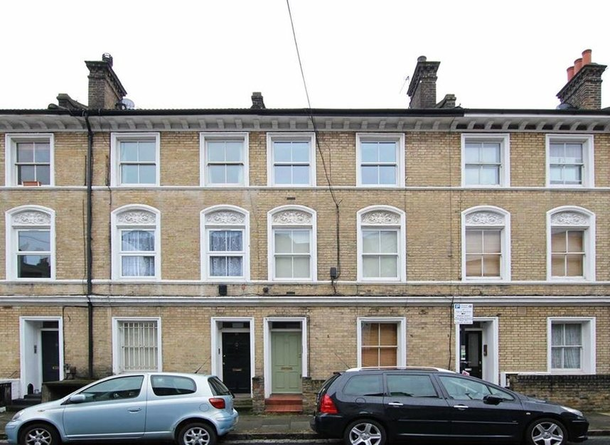 Properties to let in Southolm Street - SW11 5EZ view1
