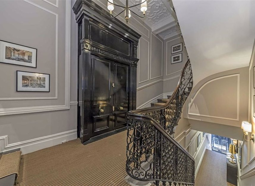 Properties to let in Strand - WC2R 0NR view9