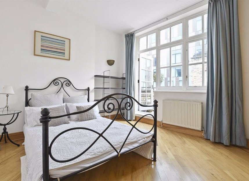 1 Bedrooms 1 Bathrooms short let flat to rent in Strype Street - E1 7LF view4