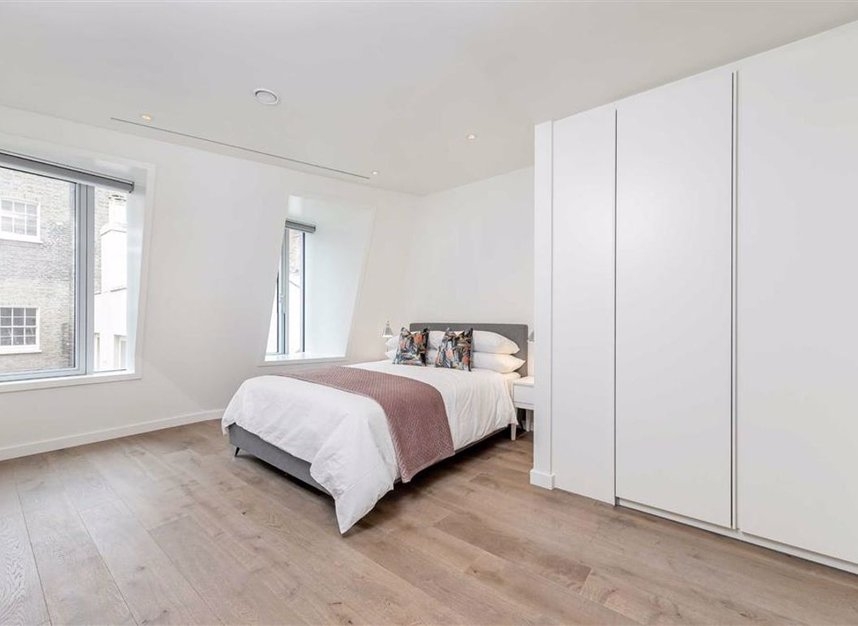 Properties to let in Suffolk Street - SW1Y 4HH view6