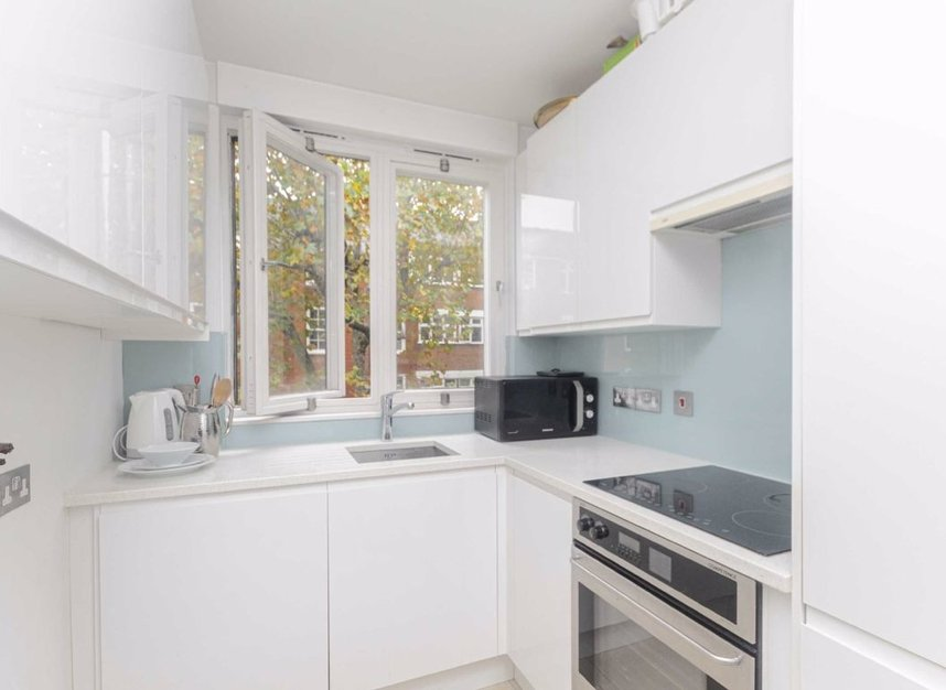 Properties to let in Tavistock Place - WC1H 9RD view3