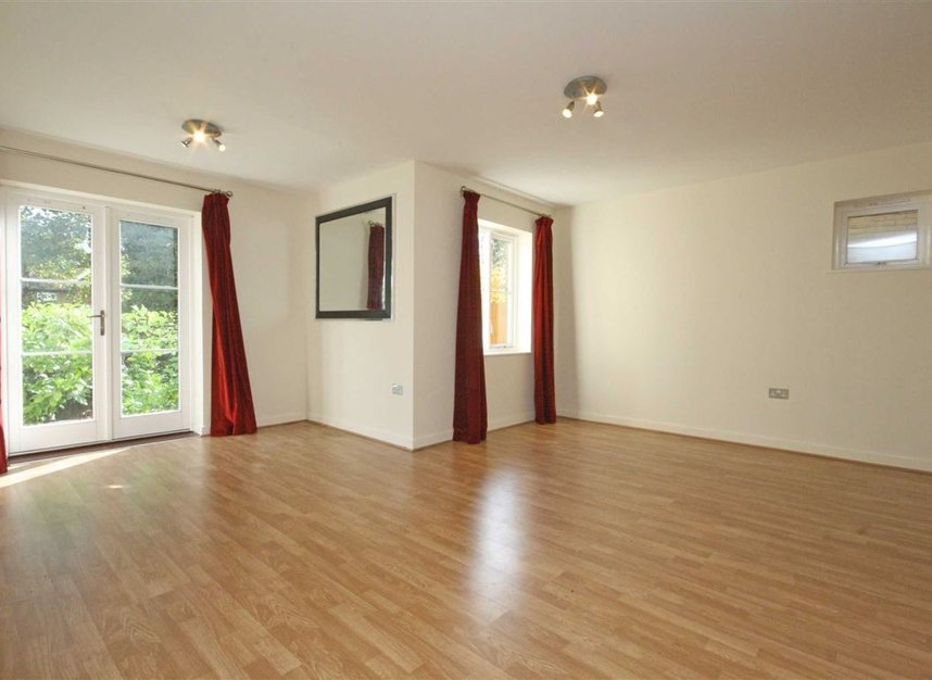 Properties to let in The Grove - TW7 4JU view2