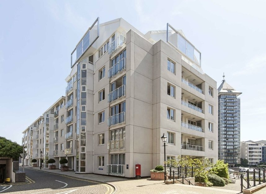 3 Bedrooms 3 Bathrooms short let flat to rent in The Quadrangle - SW10 0UG view1